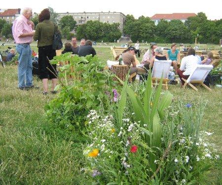 Im Stadtteilgarten Schillerkiez